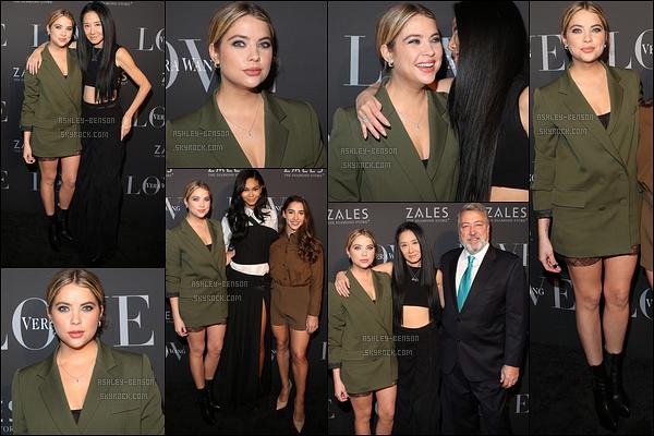 07/12/16 : Ash' s'est rendue à une soirée afin de célébrer la nouvelle collection de la marque Vera Wang. (NY) L'actrice portait une combinaison verte bouteille qui lui allait très bien. J'aime bien cette couleur sur elle. Je lui accorde donc un top ![/font=Arial]