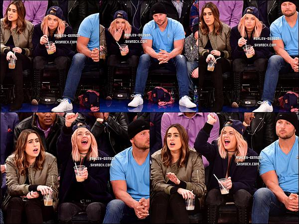 19/01/17 : Ash était au match de basket opposant les Washington Wizards aux New York Knicks, à New York. Quel plaisir d'avoir une sortie de la belle ! Elle était à fond dans le match, ça me fait rire. Elle est excellente et on l'aime pour ça ! Avis ?[/font=Arial]