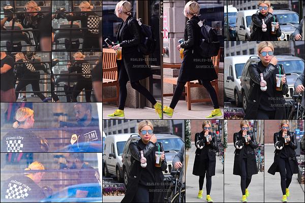 01/02/17 : Miss Ashley a été aperçue à sa séance de boxe, puis en pleine balade dans les rues de New York. Elle en a également profité pour se rendre à un Starbucks. Ashley porte encore du noir mais bon, au moins, on a de ses nouvelles.[/font=Arial]