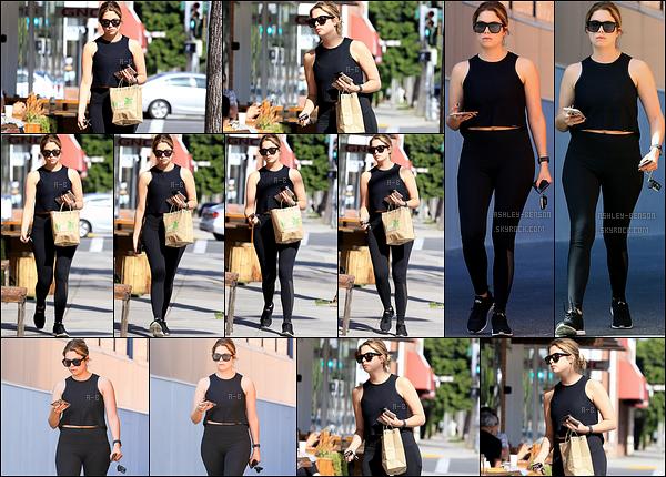 05/04/17 : Benzo a été repérée par les paparazzis alors qu'elle faisait quelques courses, dans Los Angeles. C'est donc sans surprise qu'on la retrouve portant une tenue noire. Mais on a de ses nouvelles, c'est le plus important. Un petit top ![/font=Arial]