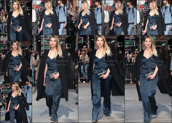 18/04/17 : Miss Benson a été repérée par les paparazzis devant les locaux de Yahoo, toujours dans New York. Et la promotion continue de plus belle. Il y a énormément de news, c'est dur de suivre... Concernant la tenue, bof ça la boudine non?[/font=Arial]