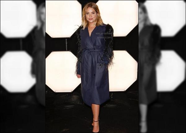 12/09/17 : Ashley s'est rendue à une soirée organisée en l'honneur de la Fashion Week qui se déroule à NY. Malheureusement, nous n'avons qu'une photo pour cette sortie. Sa tenue est plutôt originale, mais je n'en suis pas vraiment fan..[/font=Arial]