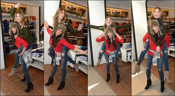 08/12/15 : Ash et Shay se sont rendues au American Eagle Outfitters pour une séance shopping, à Hollywood. Les deux actrices se sont amusées face aux paparazzis et même avec un chien présent dans le magasin. Elles sont trop mignonnes ![/font=Arial]