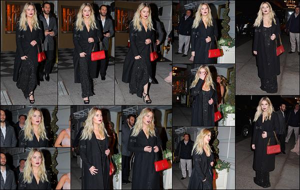 06/12/17 : Dans la soirée, notre chère miss Benson a été aperçue quittant son hôtel, The Pierre, à New York. En effet, elle se rendait à une soirée organisée par la marque L'Oréal Paris. Elle est magnifique, je suis en admiration devant elle..[/font=Arial]