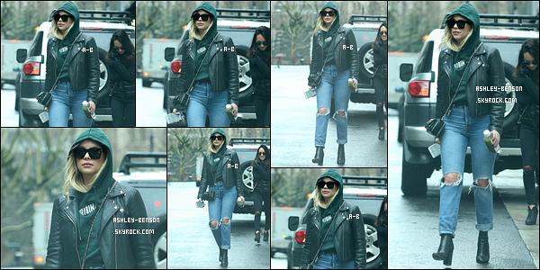 28/01/18 : La miss Benson a été aperçue alors qu'elle quittait son appartement situé au coeur de New York. Même sous sa capuche l'actrice n'a pas réussi à sortir incognito. Les paparazzis ont plus d'un tour dans leur sac. Top pour la tenue.[/font=Arial]