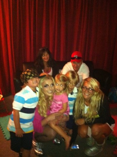 Britney's Family in her Femme Fatale Tour !