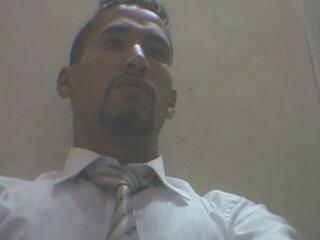 houari un homme de 31 ans  comptable