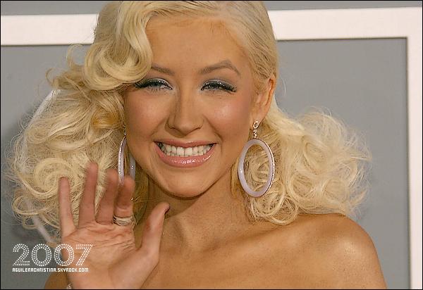 . Découvrez le changement du visage de Christina en fonction du temps , de 1999 à 2010 ! Quelle année tu la préfères ? Moi personnellement je la préfère en 2004 , 2006 , 2008 , 2009 et surtout en 2010 ! .