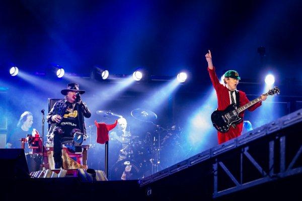 AC/DC avec Axl Rose : Vidéos du premier concert !