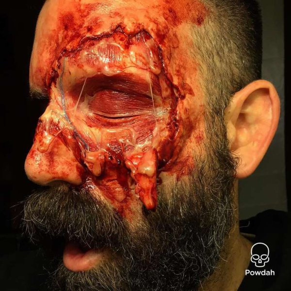 Horror Makeup- âmes sensibles s'abstenir