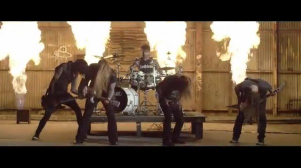DEVILDRIVER:Trust No One-nouvel album (13/5/16)clip My Night Sky   VII/XVI