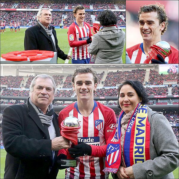 13 Janvier 2019: ▬Antoine recevait son trophée du meilleur joueur de la Liga du mois de Décembre.