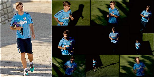 31 Juillet 2014: ▬Antoine Griezmann effectuait son premier entrainement sous ses nouvelles couleurs. Antoine sera par la suite présenté comme nouveau joueur de l'Atletico Madrid au stade et aux supporters avant le premier match de la saison.