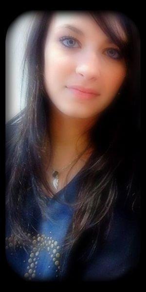 Quelques fois, tu dois laisser partir certaines personnes. Pas parce que tu arrêtes de les aimer, mais pour voir s'ils t'aiment assez pour revenir...