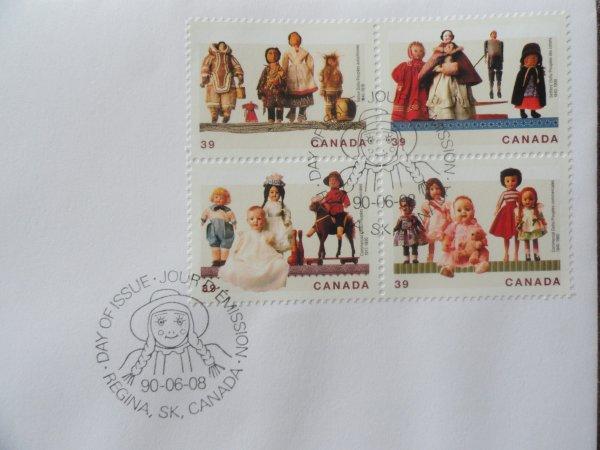 Timbres postales avec images de poupées Canadiennes