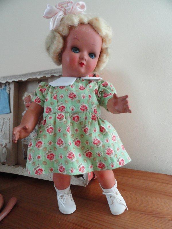 échange entre collectioneuses...poupée Unica