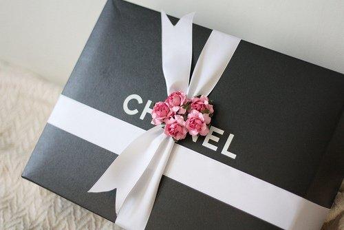 conseil amour quel cadeau choisir pour mon copain l 39 l gance est la seule beaut qui ne. Black Bedroom Furniture Sets. Home Design Ideas