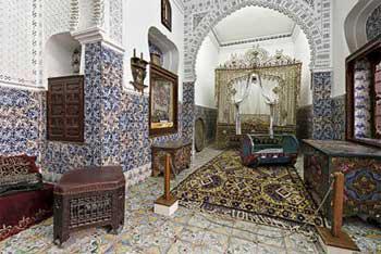 larchitecture algrienne de lpoque turque tait caractrise par ses cours intrieurs carrs avec une fontaine au milieu le carrelage et la faence - Carrelage Maison Algerie