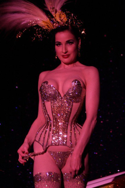 Perrier by Dita Von Teese, la suite !‎