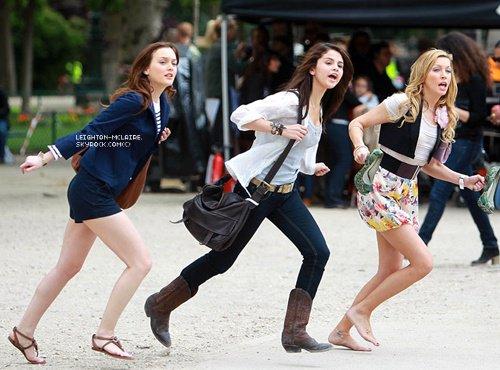 ● 26.03.2011 ~ Découvrez ou redécouvrez certains stills du film Monte Carlo dans lequel figure Leighton Meester ainsi que Selena Gomez !