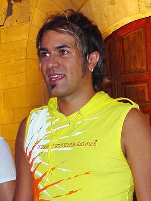 Maurizio Lobina - salut les fans de gabry ponte et de eiffel 65