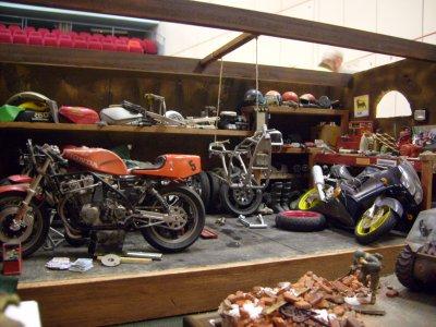 Expo lorient 2008 un garage moto 30 ans de for Ouvrir garage moto