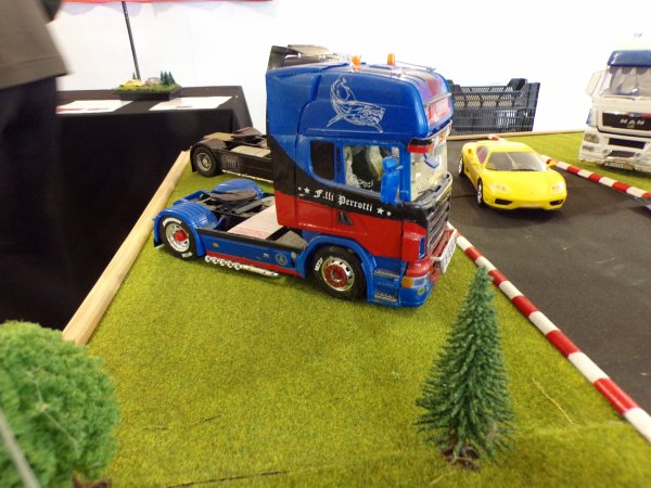 VARRAINS (49 ) a coté de Saumur ,voitures , camions ,motos ,maquettes et radio commandé