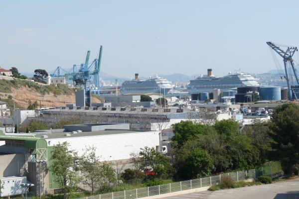 c'est Marseille aussi ( photo Pierre Paul ) voir aussi blog de vuesdemarseille