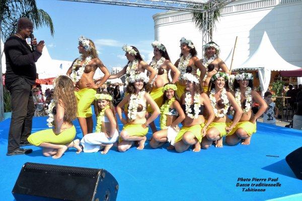 Les danseuses traditionnelles Tahitiennes Partage Passion Polynésie )