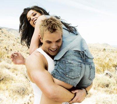 Nouveaux clichés d'Ashley et Kellan pour Men's Health