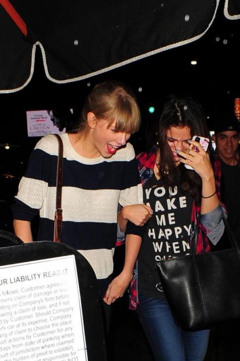 Selena était avec sa meilleure amie Taylor Swift