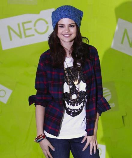 Selena fait un partenariat avec Adidas