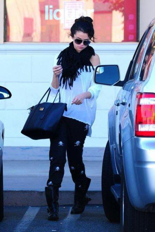 Selena pour aller chercher un apartement seule