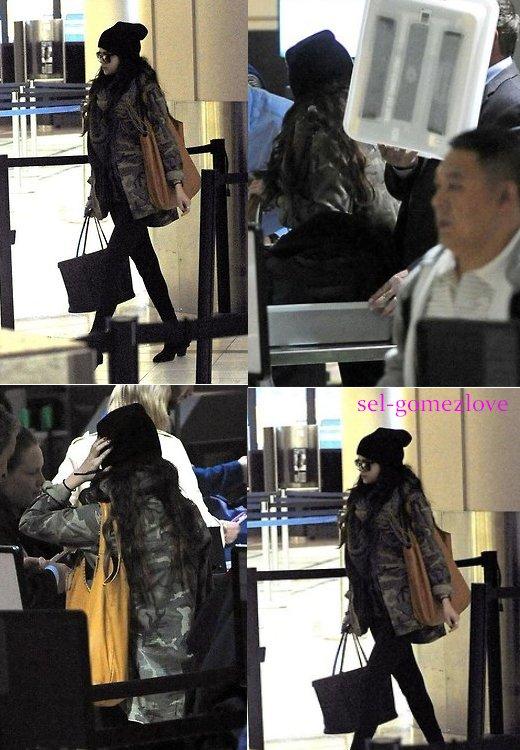 Aujourd'hui Selena était à l'aéroport de LAX