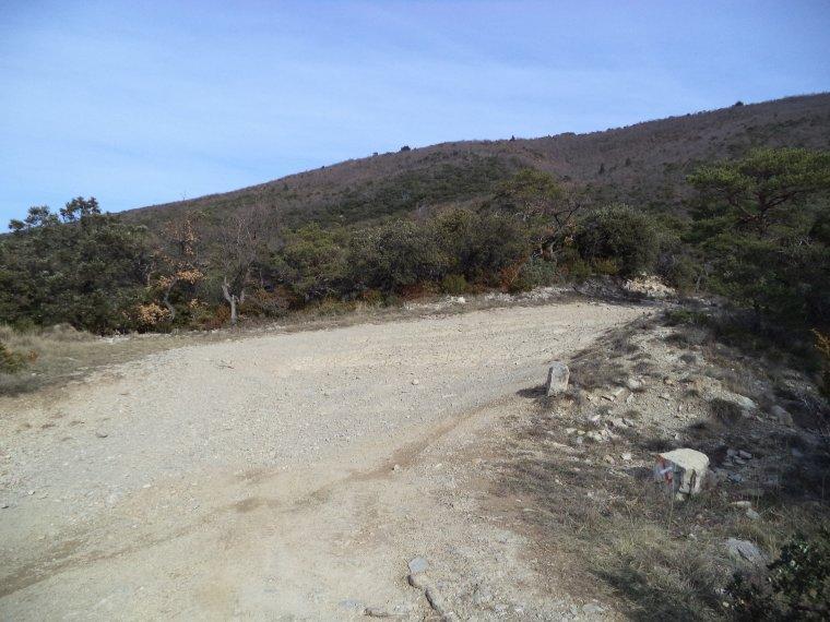 Ascension du col de la Verne (565 mètres), la roche St Secret