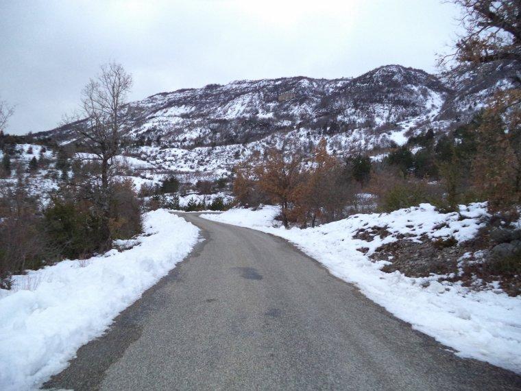 Photos tour de vélo au col de Soubeyrand avec 70cm de neige !   (1)