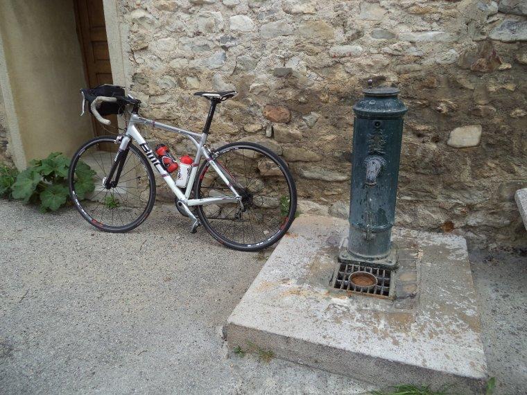 A la découverte du vieux village d'Aubres, en vélo