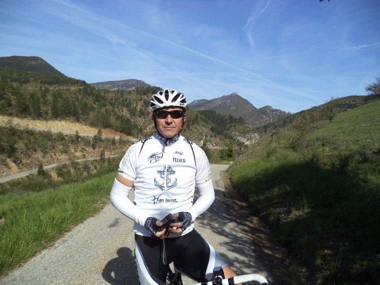 Grand tour de vélo avec Gil Veyrier, +7 cols et D+2200m, photos (2)