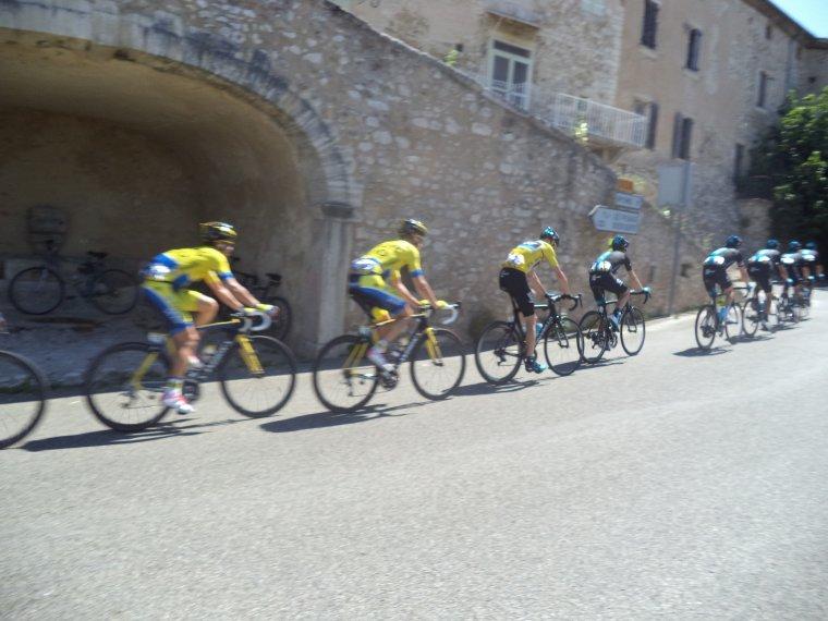 Le critérium du Dauphiné à Rousset-les-Vignes