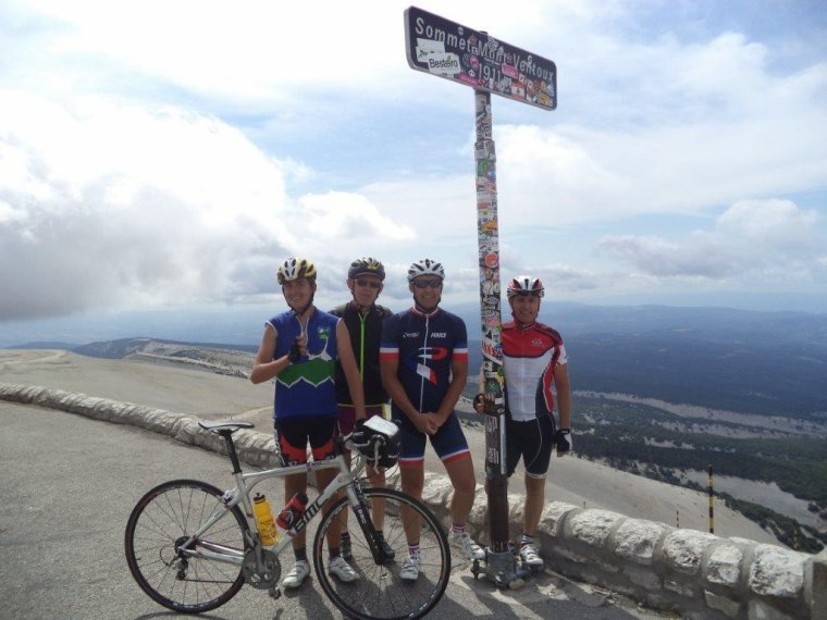 Ascension du Mont Ventoux avec Gil et ses amis + record de vitesse, plus haut col routier et 91km !