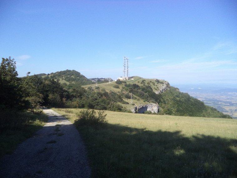 Ascension de la montagne de Saint-Maurice (921 mètres) à vélo route, pire que les pavés de Roubaix (photos (2)