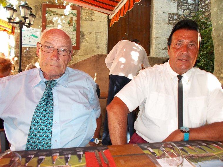 Repas en famille au bistrot de Vinsobres, 69 ans de Papa, 30 ans de mariage des parents, 64 ans du maire du Celas, 31 ans du beau-frère