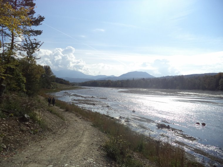 Randonnée le long du Drac et au plan d'eau du Champsaur