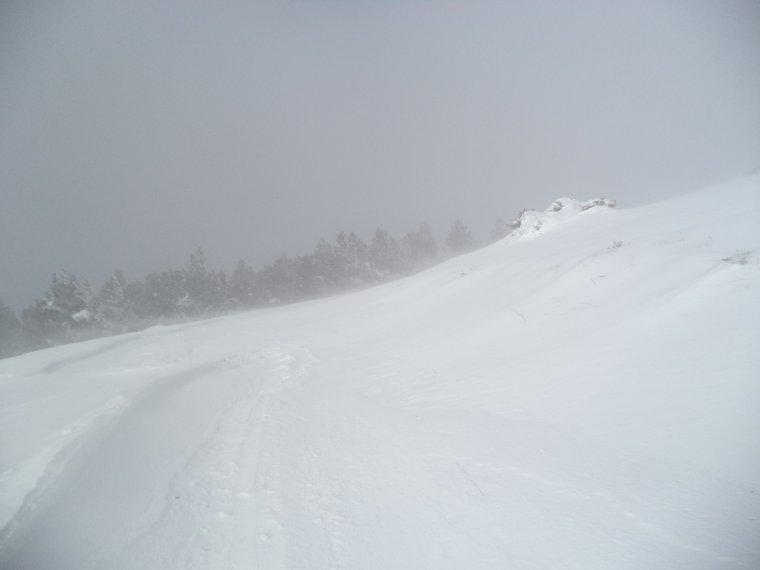 Randonnée à la montagne de la Lance avec 50cm de neige, -18°C de ressentie, du givre, blizzard....11km (photos 5)