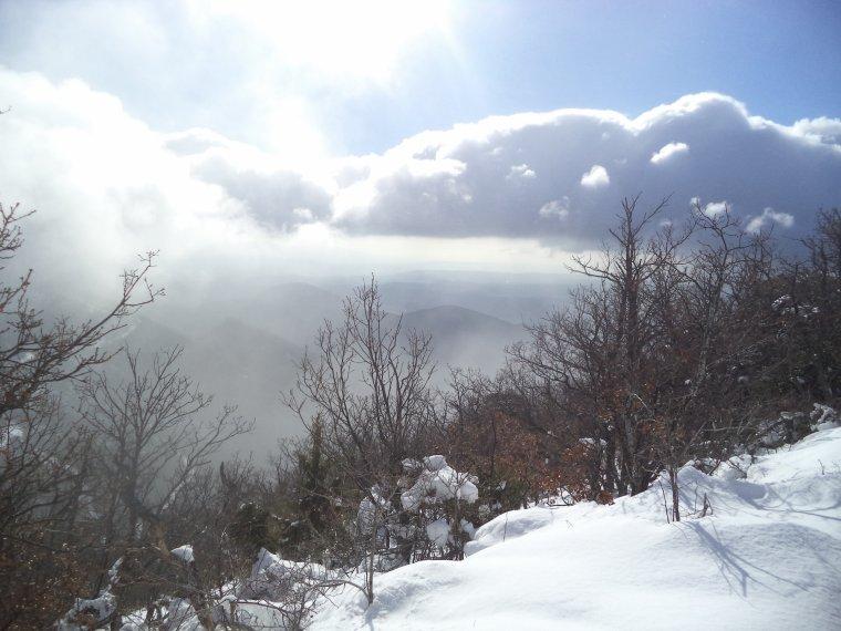Randonnée à la montagne de la Lance avec 50cm de neige, -18°C de ressentie, du givre, blizzard....11km (photos 7)