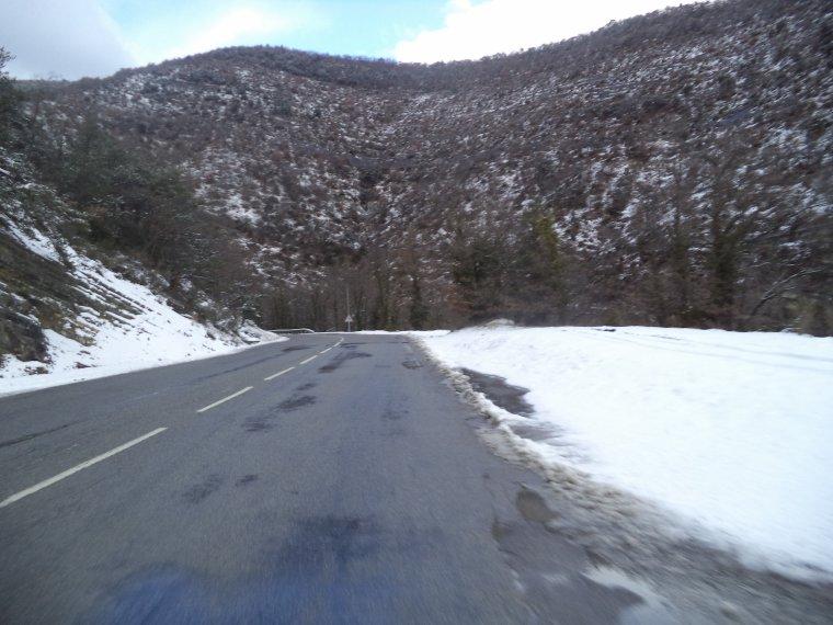 Ascension du col de Valouse avec la neige, plus beau tour de vélo de l'année, (photos 7)