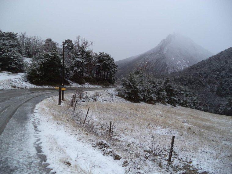 Balade aux Auberts avec la neige