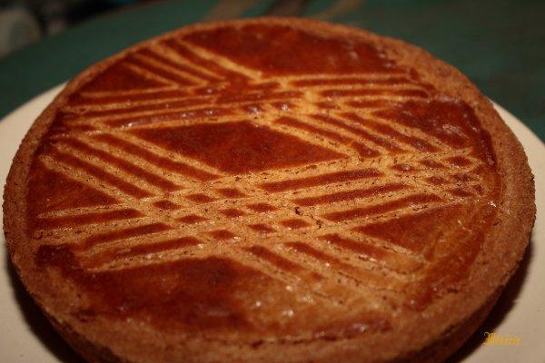 Gâteau breton, qui ne s' éparpille pas à la moindre découpe, très bon, un vrai.