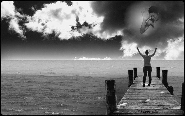 """■■■  """" Prendre une photo c'est capturer un instant, interrompre la course du temps. Garder intacte l'image de ce que nous étions, l'image de ce que nous sommes."""" ■■■"""