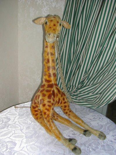 la girafe en peluche blog de auplaisirdespoupees. Black Bedroom Furniture Sets. Home Design Ideas